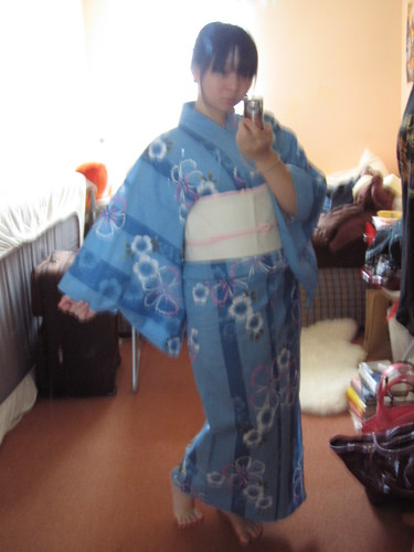 Stripey blue yukata - strike a pose!