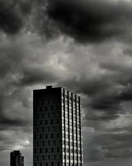Altona (sterreich_ungern) Tags: city sky urban grey himmel grau stadt block altona hochhaus thisishh