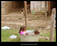 Vecinos386 (-Karonte-) Tags: nikoncoolpix8700 coolpix8700 chenalho indigenaschiapas indigenouschildren niñosindigenas altoschiapas josemanuelarrazate