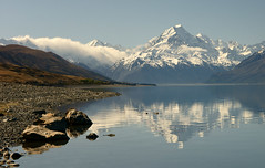 Aoraki, New Zealand (Kenny Muir) Tags: new newzealand mountain lake reflection island searchthebest sony south cook mount zealand aoraki pukaki a700 vosplusbellesphotos