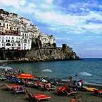 Beach Paradise in Southern Italy, or Where My Mind Is At While Im Doing the Laundry