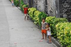 Kids in Chavayan Sabtang island (MeloVillareal) Tags: island batanes sabtang
