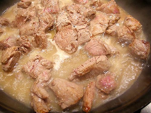 Beef Stroganoff (俄羅斯酸奶牛肉)