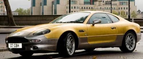 Aston Martin goud met diamanten