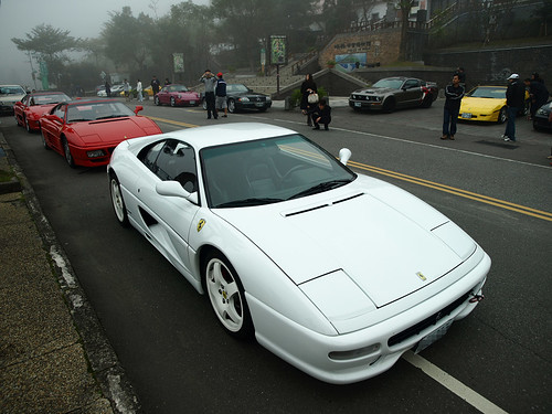 Ferrari F355 in white