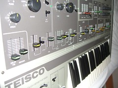 Left_Side (~filipo~) Tags: synthesizer teisco s110f