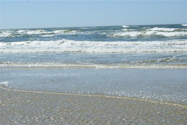 Glittery waves