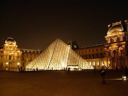 4 mars 1988 inauguration de la pyramide du louvre - Inauguration pyramide du louvre ...