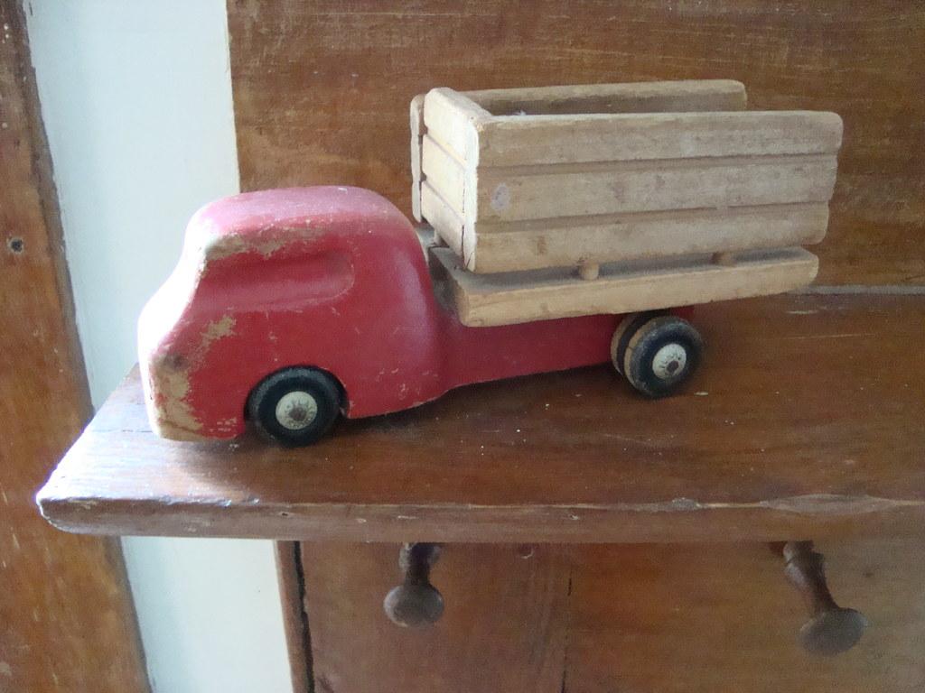vintage pick-up truck