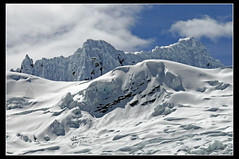 Cumbre de la Cordillera Blanca, Peru... ([cation] (totally off...)) Tags: travel viaje sky sun white mountain snow blanco sol peru southamerica nikon nieve ciel cielo summit andes neige blanc perou d300 cation cumbre cordillerablanca americadelsur favemegroup5 favemegroup6