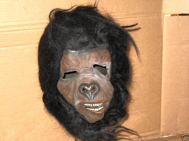 pota_gorillamask.JPG