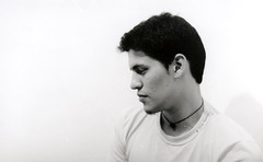 Blanco ( Plateada) Tags: bw byn film blanco 35mm minolta retrato portait negro bn scan pelicula jere laboratorio analogic jeremias analogico escaneo tambienhaygrises xjag2k