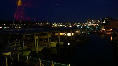 窗外的夜景