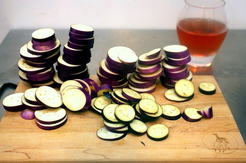 eggplant slices, pink wine