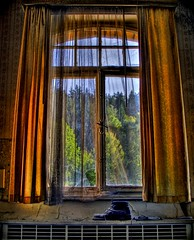 The Window (Batram) Tags: light urban house window shoe curtain haunted exploration hdr lostplaces lostplace batram greetmybro veburbexthuringia vanishingextraordinarybuildings