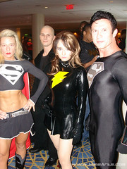 Mary Marvel with Superman & Supergirl (A_Riddle) Tags: atlanta cosplay superman supergirl superheroes marvel 2008 dragoncon shazam riddle costumers marymarvel lafiel dragoncon2008