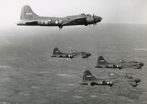 Warbird picture - 379th Bomb Group B-17's