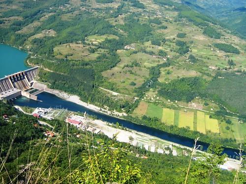 Хидроелектрана Перућац и бивши ЧОГ (фото TBiljana)