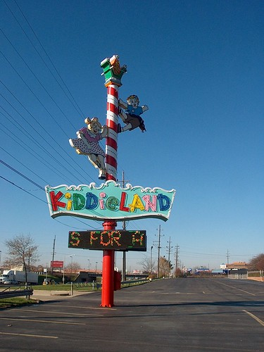 The Kiddieland Amusement Park sign. Kiddieland Amusement Park. Melrose Park Illinois. November 2006.