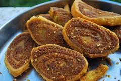 UFO - Unidentified Fried Object (mynameisharsha) Tags: food india nikon bangalore snack junkfood snacks appetizer fried fingerfood d60 1855mmf3556gvr mynameisharsha