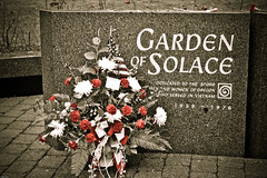Vietnam Veterans Memorial Garden of Solace (Rachel Houghton) Tags: matt vietnamveteransmemorial presets kloskowski mattkloskowskipresets