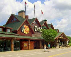 camping chicago sports shopping dupage bassproshops bolingbrook thepromenadebolingbrook