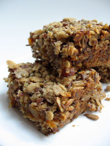 homemade-granola-fruit-bars