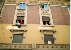 Palazzo all'italiana (...utopiacere... - [Michele Lapini]) Tags: life building film nikon olympus finestra enjoy criticalmass bologna mass lapo manifestazione analogic critcal analogico irnerio rullino ifnestra