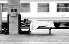 Senza tetto (bogob.photography) Tags: trip morning travel friends people blackandwhite bw italy white black cold cute station fog train geotagged torino fun person interesting nikon europa europe italia gente sleep homeless bn passengers persone 1870mmf3545g most human porta persons nikkor 2008 nebbia turin stazione bianco treno freddo nero viaggio dormire 1870mm nuova mattino 1870 senzatetto passeggeri nikkor1870mmf3545g folla d80 f3445 bnvitadistrada peoplesfavorites oniricamente diamondclassphotographer flickrdiamond personafriend