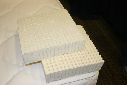 9 inch latex mattress