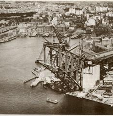 Construction of the Sydney Harbour Bridge - scan (Bolckow) Tags: sydneyharbourbridge thecoathanger dormanlong
