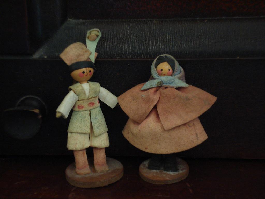 Two little dolls...