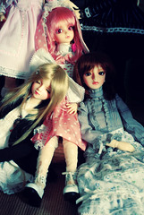 Reclining... Asleep, Unsure, Accusing. (nettness) Tags: toys dolls matilda wig bjd dollfie superdollfie volks sd10 pinkhair abjd pinkeyes arttoys balljointeddoll balljointdoll schoolb schb schoolheadb classroomheadb