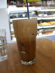 Frappe, metrio, with milk - Vanilla Lounge (avlxyz) Tags: coffee greek milk cafe lounge oakleigh frappe metrio vanillalounge megala
