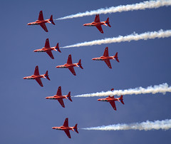 Reds with white smoke (Philonious Monk) Tags: white smoke formation reds bae hawks