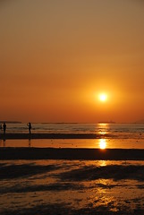 what a day! always beautiful with my love (joy_sie) Tags: sunset shadow orange sun beach water hongkong nikon heart d60