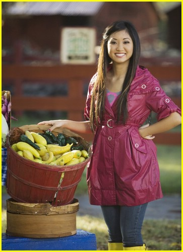 brenda-song-pass-the-plate-06