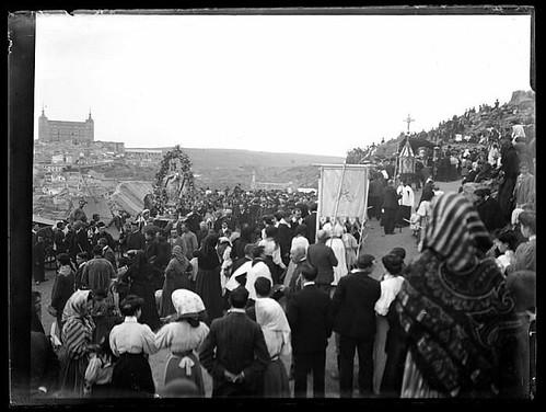 Romería del Nuestra Señora del Valle en Toledo hacia 1910. Colección de D. Santiago Relanzón Almazán,  Ayuntamiento de Toledo