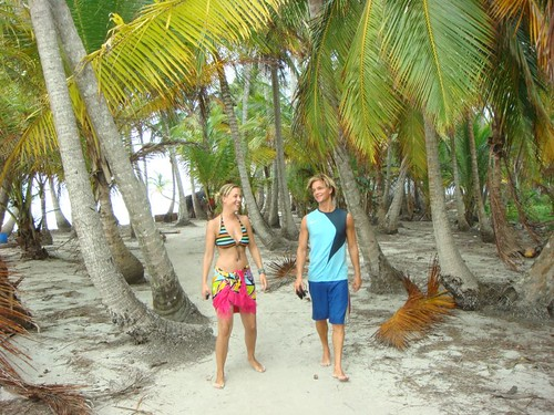 Guillermina (Belgium) and I on Cayo Hollandés, Islas de San Blas.