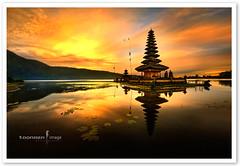 Bali - Pura Ulun Danu Bratan Water Temple (TOONMAN_blchin) Tags: bali toonman mygearandme mygearandmepremium mygearandmebronze mygearandmesilver mygearandmegold mygearandmeplatinum mygearandmediamond dblringexcellence tplringexcellence puraulundanubratanwatertemple