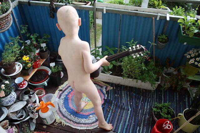 Der Junge und seine Gitarre