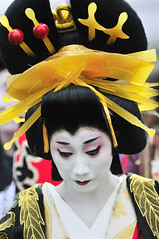 Oiran - hair style, combs and pins (ajpscs) Tags: festival japan japanese tokyo nikon prostitute pins parade  nippon entertainer  kimono obi procession asakusa hairstyle complex matsuri dori  geta skill highclass courtesan servants combs d300 yoshiwara oiran tayuu patronise ajpscs    ichiyozakurakomatsubashi  oirandouchu  ichiyouzakuramatsuri edo16001868 yoshiwarapleasure komageta mitsuashi sanmaibageta hachimoji edo 6 courtesan