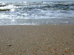 Beach - Nordsee (Julianadoorp) (marfis75) Tags: travel sea holland beach netherlands strand sand meer wasser fuji urlaub steine cc f30 finepix creativecommons netherland fujifilm nordsee welle niederlande kste wellen julianadorp krner ccbysa strmisch finepixf30 marfis75 marfis75onflickr