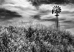Timeless Scene (Jeff Clow) Tags: oklahoma nature windmill landscape bravo energy power explore dfw timeless infraredfilter firstquality visiongroup theperfectphotographer thegardenofzen thegoldendreams ©jeffrclow adobephotoshopelements60 vision100 goldenvisions