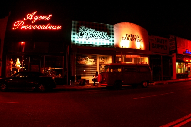 Johnny Cupcakes LA storefront