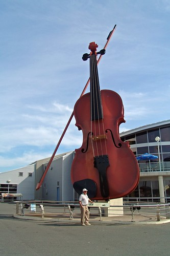 "The""Big Ceilidh Fiddle"" or ""The World's Largest Fiddle"""