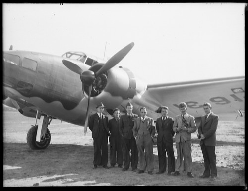 Warbird picture - Lockheed Hudson Bomber A16-31 and employees