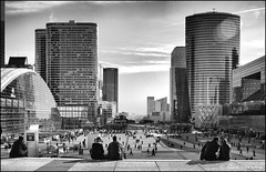 La Defence -  Paris (Alex Verweij) Tags: city bw paris business parijs ladefence grandearche abigfave canon40d flickrlovers alexverweij