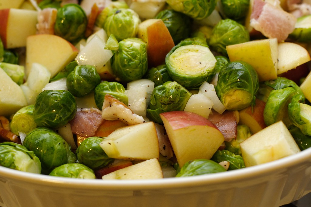 brussels sprouts with apples and bacon