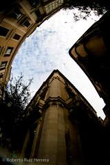 Las formas del cielo (Berts @idar) Tags: calle edificios fisheye cielo nubes vacaciones crucero peleng palmademallorca ojodepez islasbaleares espaa peleng8mmfisheye canoneos400ddigital pendientesdeetiquetar